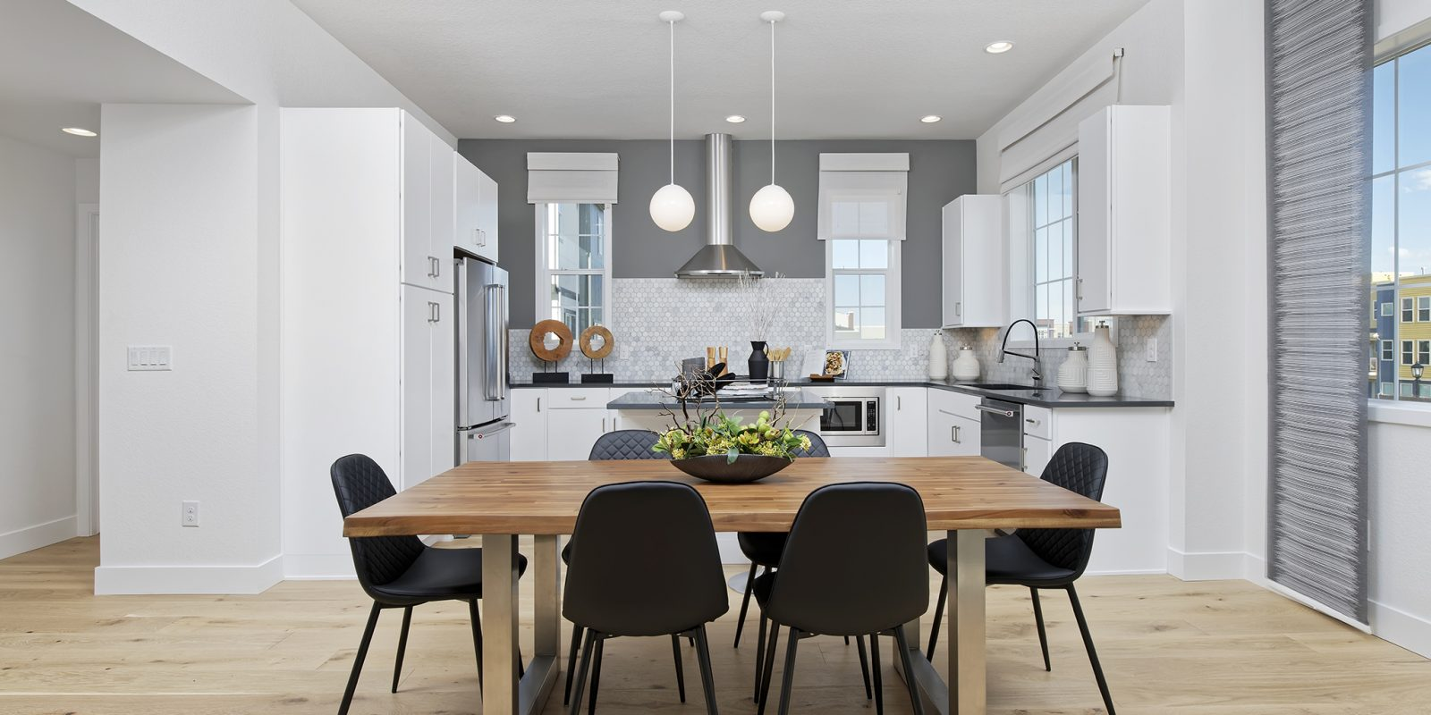 Arista Rows: Marquee - Dining Nook