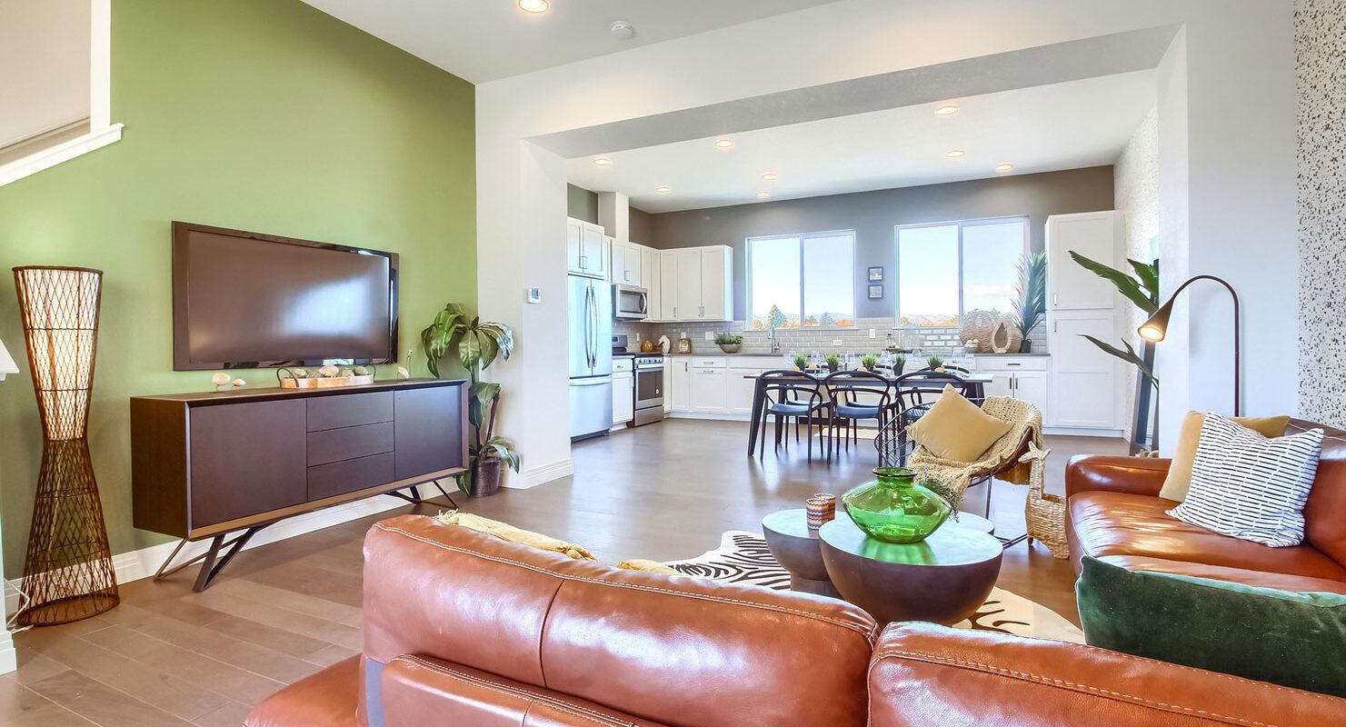 WestRidge: Paramount - Living Area