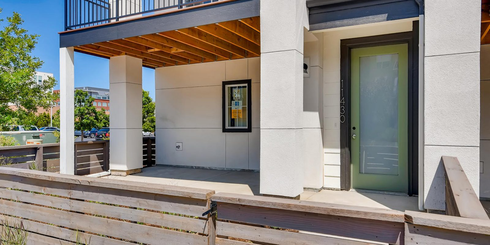 Arista Rows: Marquee - Fenced Courtyard & Lower Covered Patio