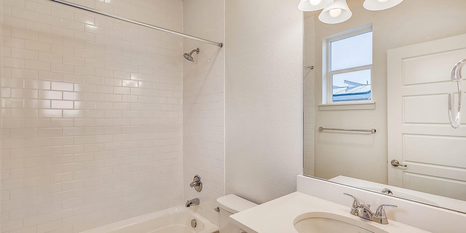 WestRidge DoMore Rows: Oasis - Secondary Bathroom