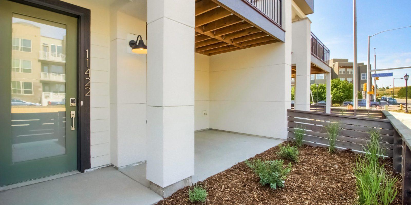 Arista - Lower Patio & Fenced Yard